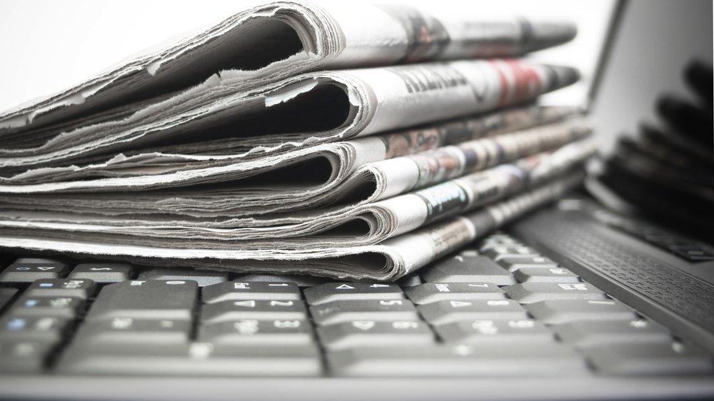 Aviser kan læses som papiraviser eller webaviser.