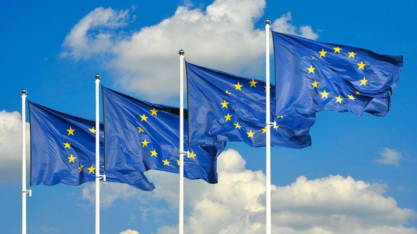 Det europæiske flag symboliserer enhed, solidaritet og harmoni blandt Europas befolkninger.