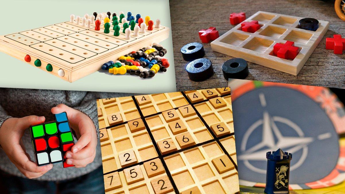 Når du spiller brætspil i skolen eller med din familie, sidder du nok ned. Men vidste du, at du også kan spille forskellige brætspil i idræt?