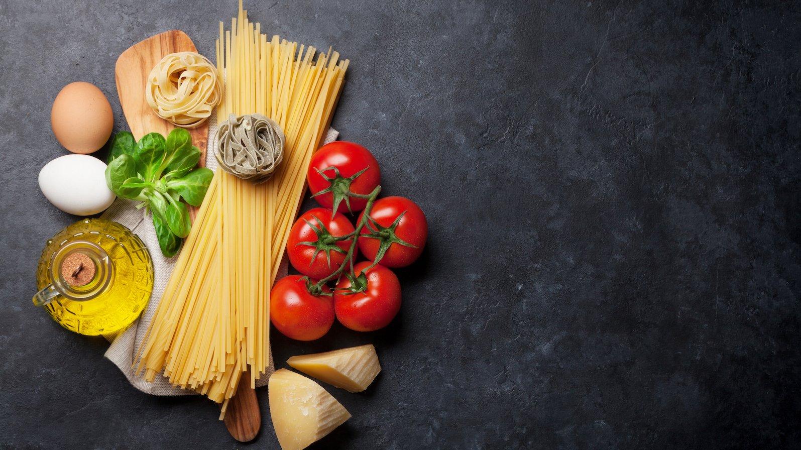 Her kan du se de tre næringsstoffer proteiner, kulhydrater og fedt.