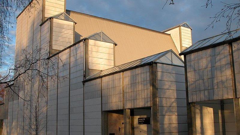 Bagsværd Kirke tegnet af den danske arkitekt Jørn Utzon i 1973–1976.