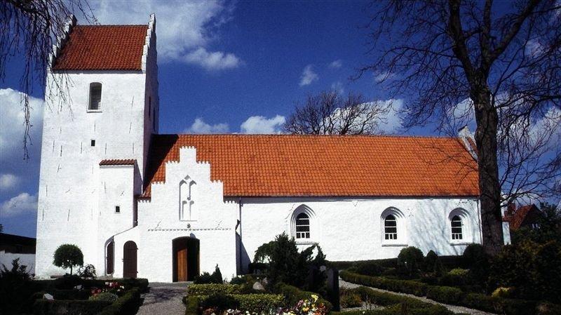 Svinninge Kirke er en typisk dansk folkekirke. Men hvordan ser andre religioners religiøse bygninger ud?