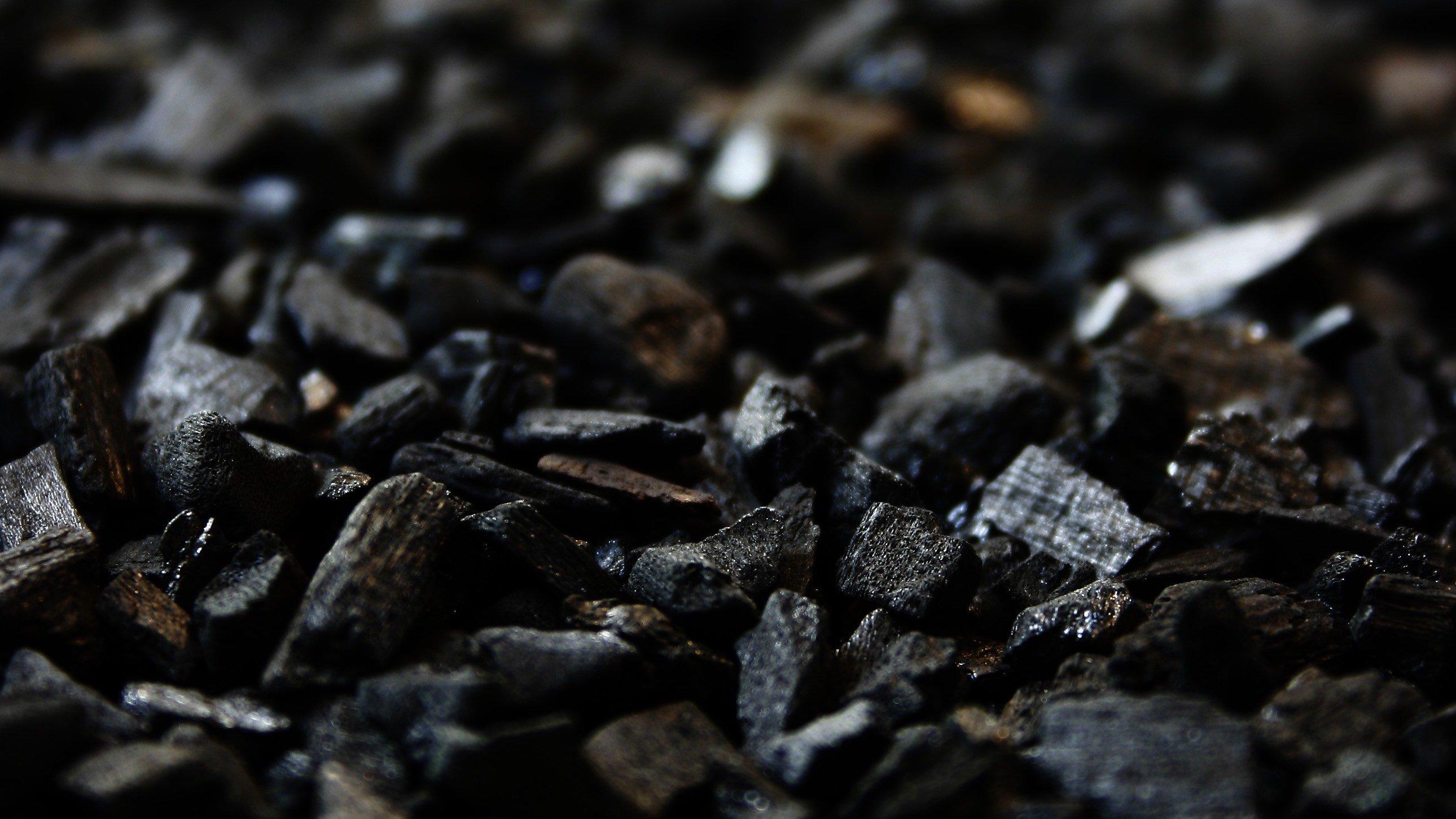Organisk kemi kan også kaldes kullets kemi. Der er nemlig carbon eller kulstof i ufatteligt mange kemiske forbindelser.