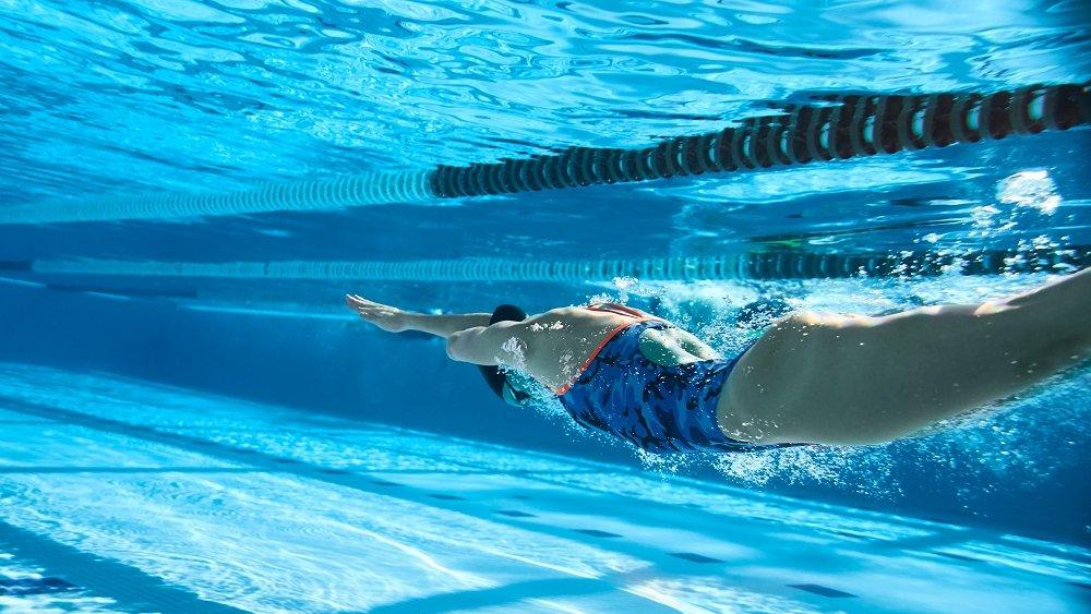 Viele sind auch im Wasser sportlich aktiv.