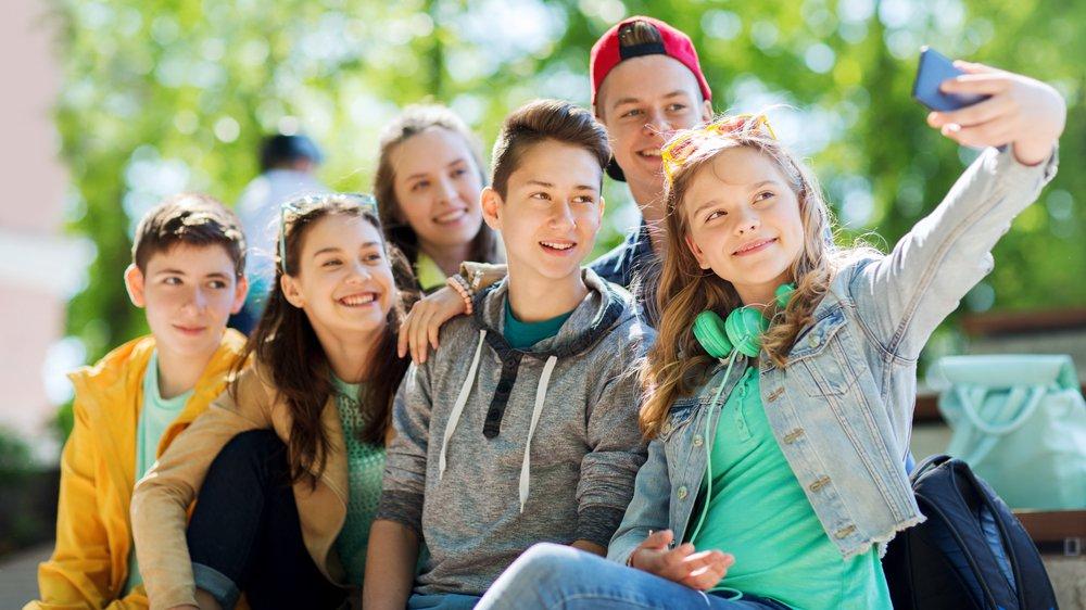 De sociale medier fylder meget i de fleste unges liv. Men hvordan passer I på jer selv og hinanden på nettet?