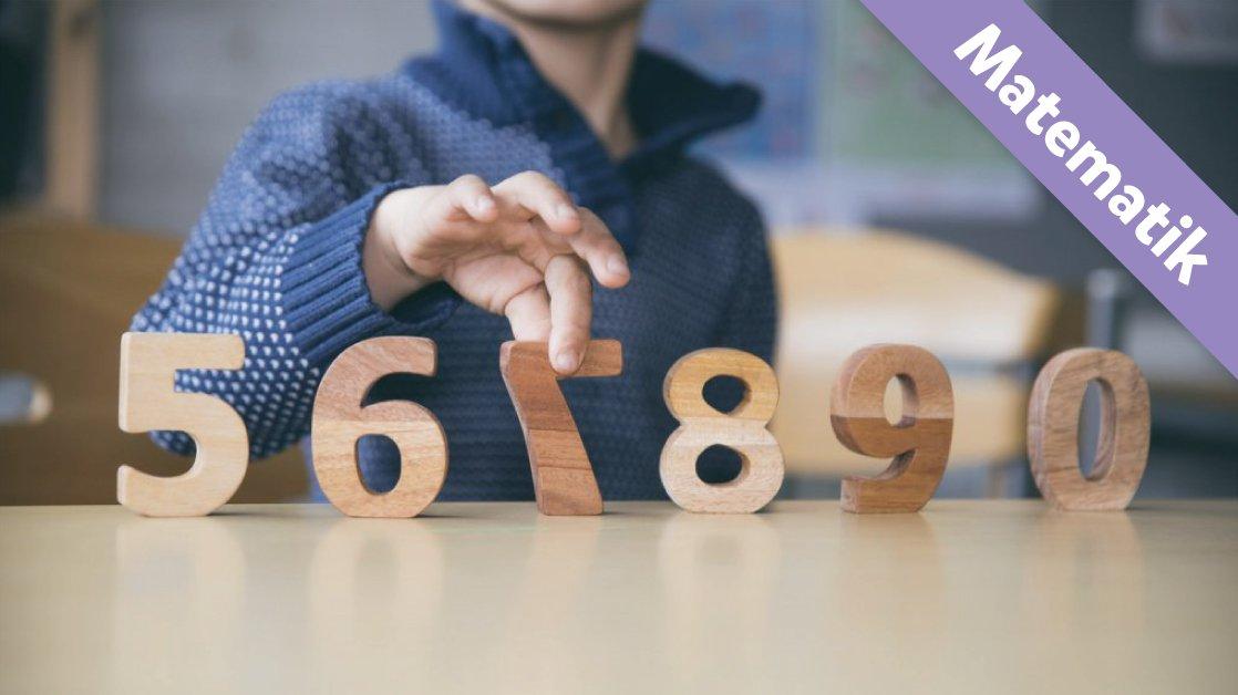 Her er tallene fra 5 til 9. Der er et tal mere. Kan du se, hvilket tal det er?