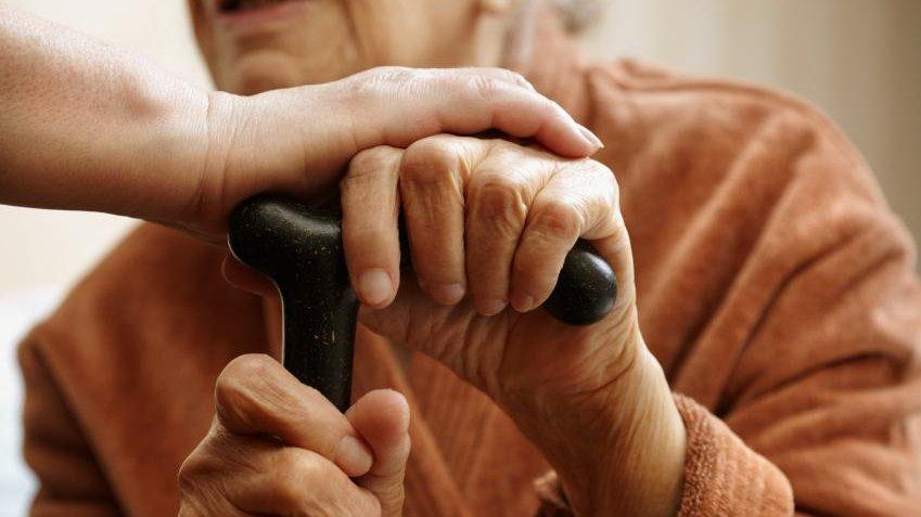 Omsorg for de ældre er en hjørnesten i den skandinaviske velfærdsmodel.